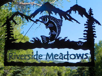 Riverside Meadows fly fishing entrance sign